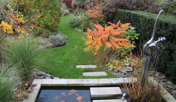 Zahrada u koupající se víly