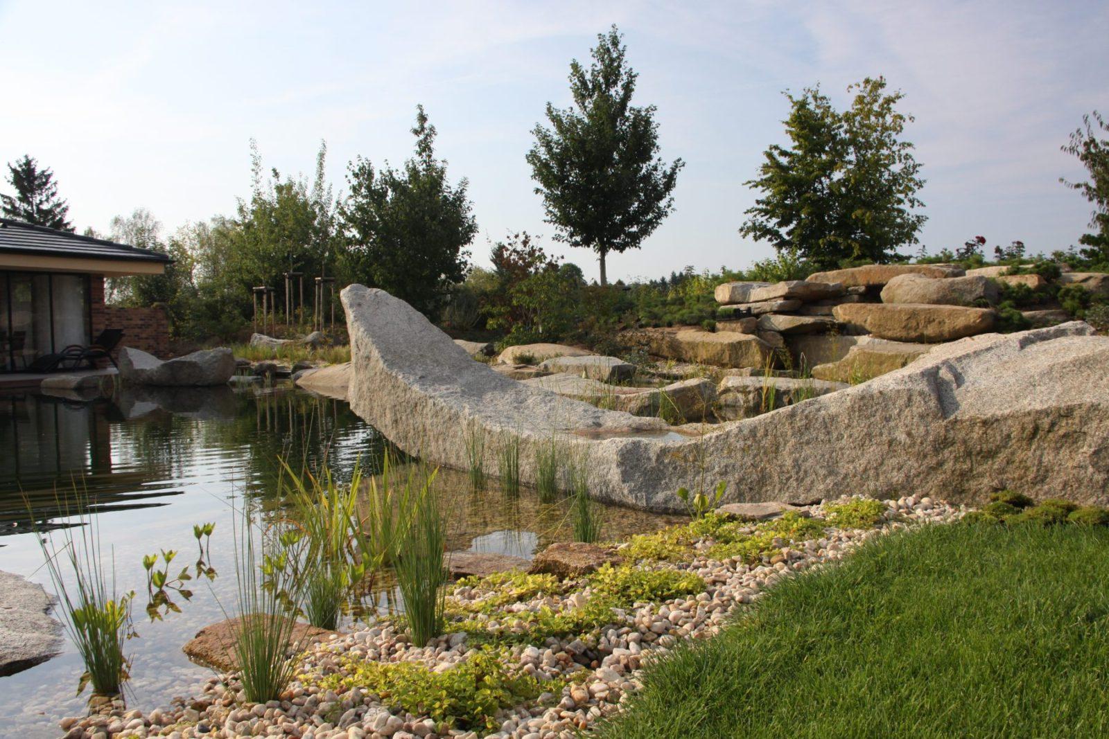 Jezero s kamennou gondolou